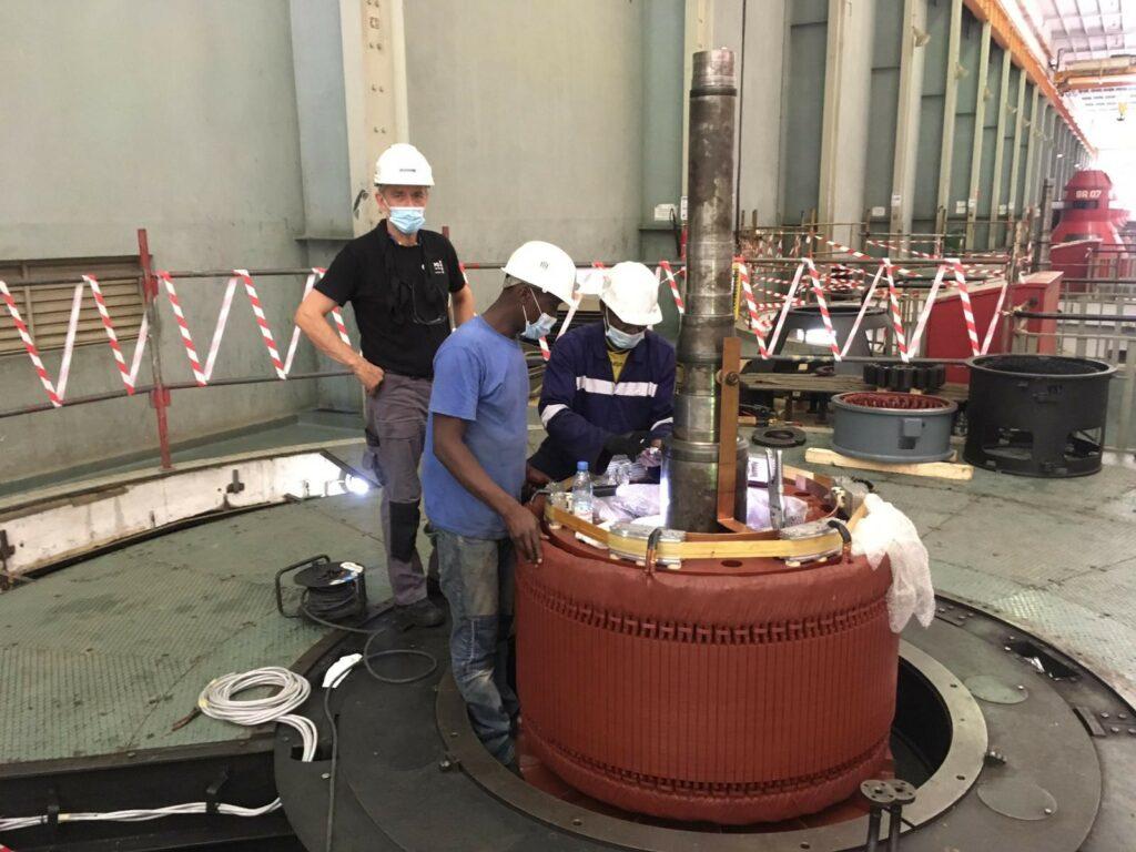 Mise en service du 6 ème groupe de la centrale hydroélectrique d'EDEA l Flipo Richir