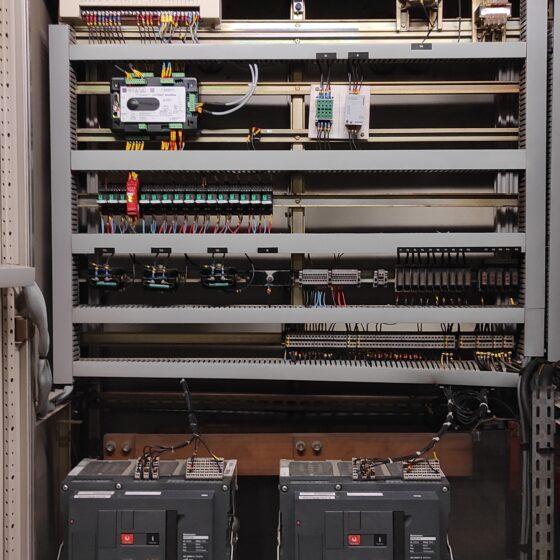 Rénovation commande groupes électrogènes Auchan après l Flipo Richir